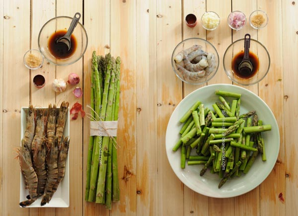 asparagus_shrimp_stirfried_ing_02