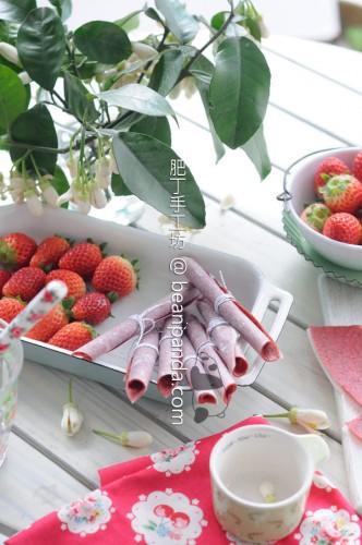 Strawberry_fruit_leather_01